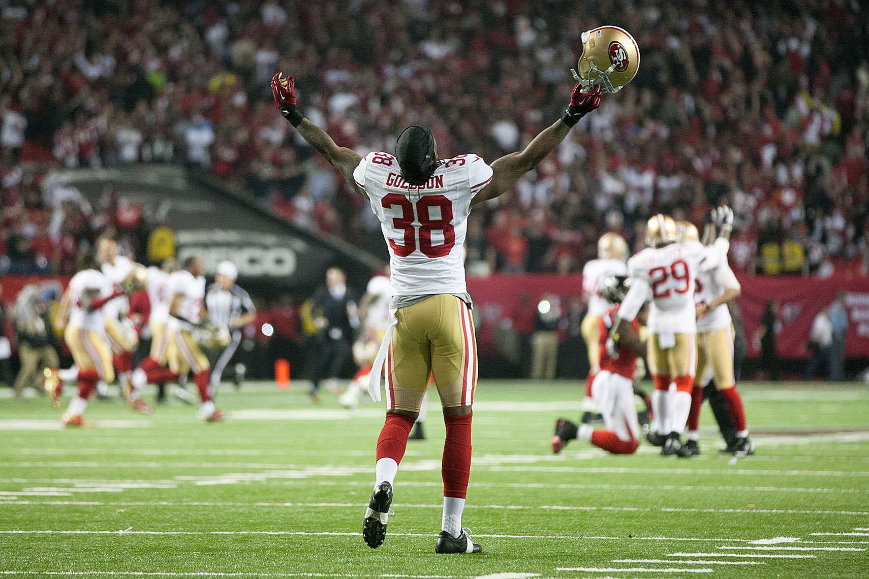 Dashon Goldson celebrates NFC championship
